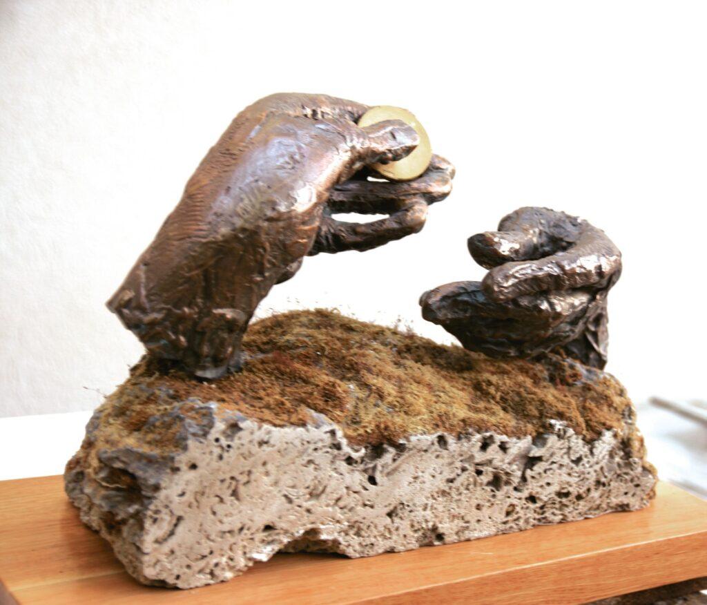 Anton Rațiu - PRIMIREA ARGINȚILOR - bronz - piatră - lemn - H 35 cm 2015