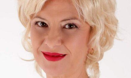Claudia Motea – CAND IUBEȘTI – TOTUL E O INIMĂ